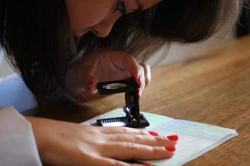 ¿Cuán confiables son los métodos utilizados por el perito calígrafo?