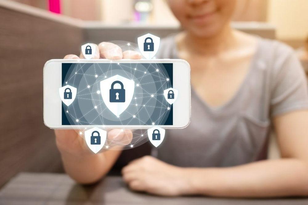 10 Consejos para proteger nuestro teléfono móvil